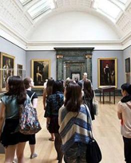 Cursuri de ARTA, MODA si limba Engleza la Londra sunt dedicati celor pasionatati de arta, in special moda cu varsta de peste 16 ani.
