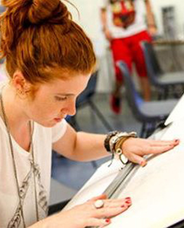 Tabara de arta si design, pregatire admitere la UAL este recomandata tinerilor care doresc sa-si continue studiile la Universitatea de Arte Londra.