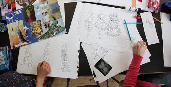 Curs graphic design si engleza la Londra, este destinat celor pasionati de aceasta arta care au varsta peste 16 ani si care vor sa exceleze in domeniu.