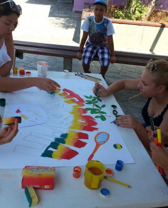 Tabara de arta, engleza si sport pentru copii in Grecia, la Halkidiki ofera cursuri de engleza, activitati sportive si artistice ca dans, ateliere de arta, karaoke intr-un campus modern cu facilitati deosebite.
